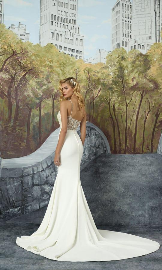 justin-alexander-wedding-dresses-2017-style-8935_fb