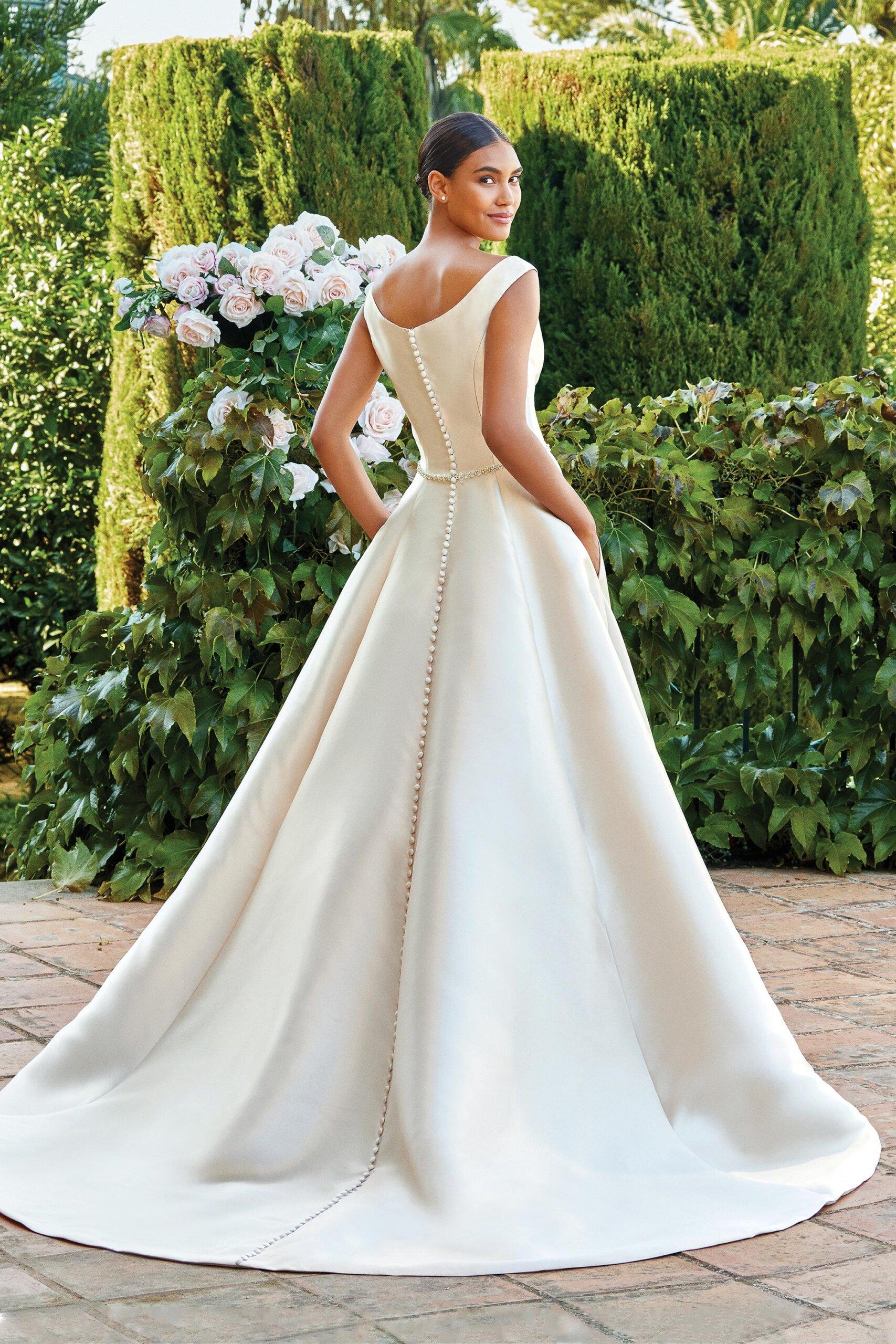 44220_FB_Sincerity-Bridal